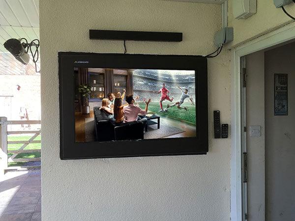 Armario LCD empotrado en la pared