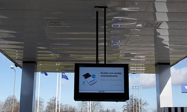 Anclaje a techo para suspender un armario LCD