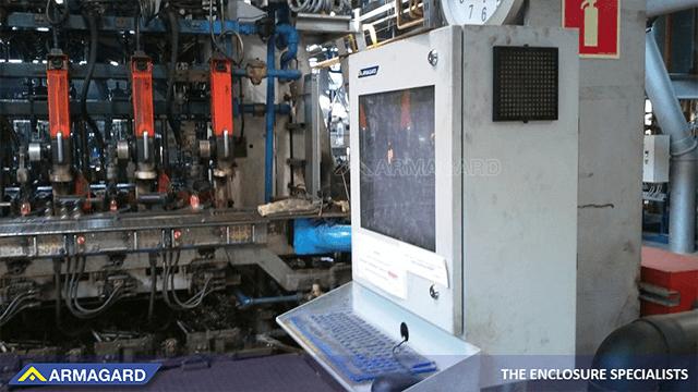 Los armarios PC industriales le ofrecen opciones de instalación flexibles.