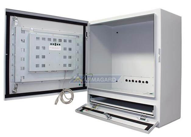 PC táctil para planta industrial, vista derecha con bandeja y puerta abierta | PENC-550