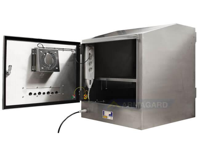 Armario pc IP65 puerta posterior abierta   SENC-800