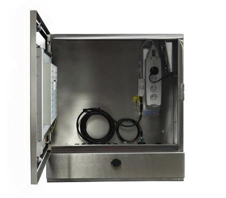armario PC táctil y estanco SENC-550 viene con una garantía de cinco años.